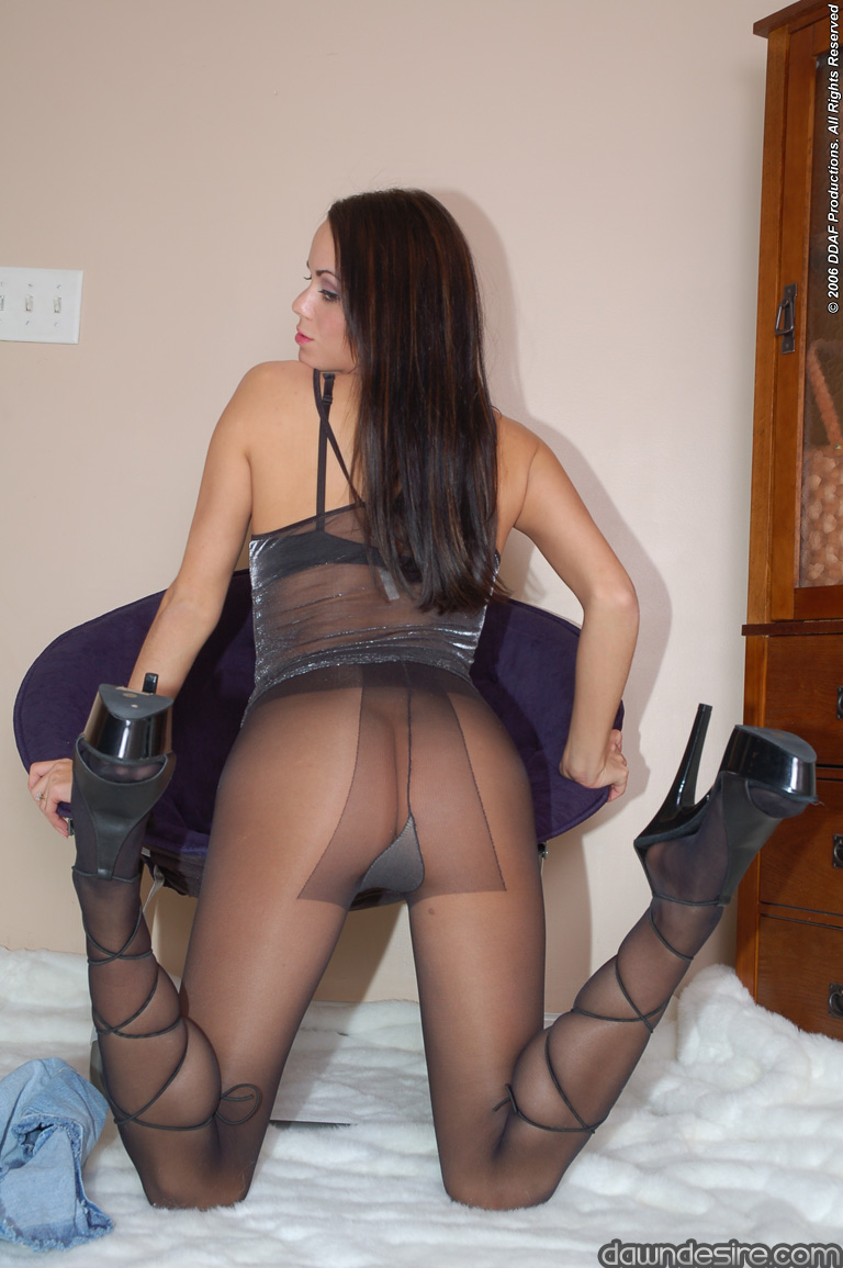 Modeling in pantyhose lots of