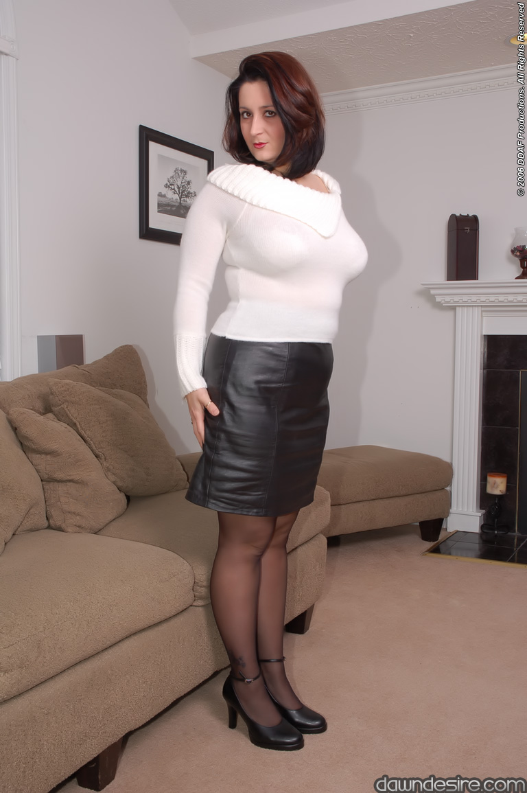 Dawn wearing pantyhose